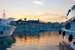 Der Abend in Cannes Lizenzfreie Stockbilder