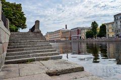 Der Abfall zum Fluss Fontanka Lizenzfreies Stockbild