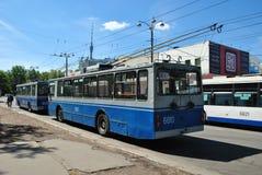 Der abschließende Endoberleitungsbus Stockbild