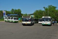 Der abschließende Halt und die Busse. Lizenzfreie Stockfotos