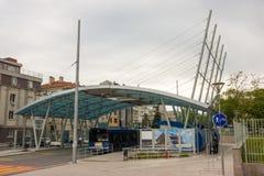 Der abschließende Halt von Stadtbussen in Burgas, Bulgarien Stockbild