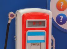 Der Abschluss oben der alten roten Brennstoffzufuhr Lizenzfreies Stockfoto