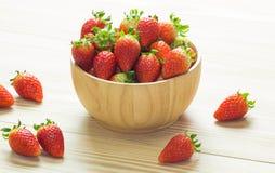 Der Abschluss oben der Gruppe der frischen roten Erdbeere Lizenzfreies Stockfoto