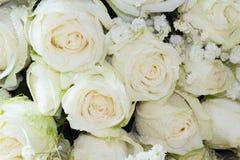 Der Abschluss oben des Blumenstraußes der frischen Rosen, selektiver Fokus Stockfotos