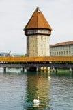 Der achteckige hohe Turm (Wasserturm) Lizenzfreie Stockfotos