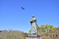 Der Adler und die Statue von Sakamoto Ryoma Stockfotografie
