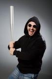 Der aggressive Mann mit basebal Schläger Lizenzfreie Stockfotografie