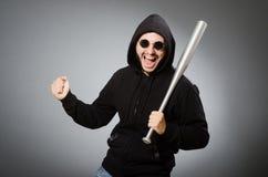 Der aggressive Mann mit basebal Schläger Lizenzfreie Stockbilder