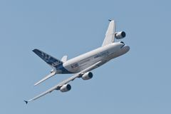 Der Airbus A380 lizenzfreies stockbild