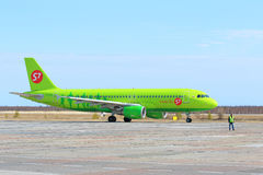 Der Airbus A320 auf Yamal Lizenzfreie Stockfotografie
