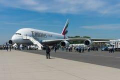 Der Airbus A380 - es ist das Welt-` s größte Passagierpassagierflugzeug Stockbilder