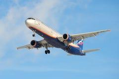 Der Airbus A321-211 Stanislavsky (VP-BTR) der Firma-Aeroflot-Nahaufnahme Lizenzfreie Stockfotografie