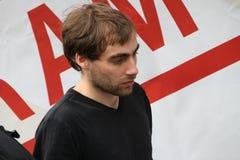Der Aktivist Boris Beylinson auf oppositioneller Sitzung Stockbild