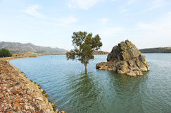 Der Alange-Reservoirpanoramablick, Badajoz-Provinz, Extremadura, Spanien Stockbilder