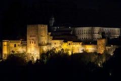 Der Alhambra nachts Stockbilder