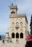Der allgemeine Palast auf Borgo Maggiore bei San Marino Lizenzfreie Stockbilder