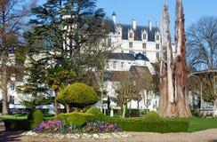 Der allgemeine Park des Frühlinges in Loches-Stadt (Frankreich) Stockfotos