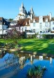 Der allgemeine Park des Frühlinges in Loches-Stadt (Frankreich) Lizenzfreie Stockfotografie