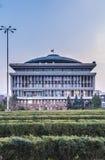 Der allgemeine Park und das Hauptgebäude von Politehnica-Universität von Bukarest Stockfoto