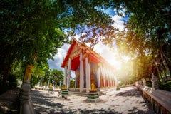 Der allgemeine Tempel in der Natur in Thailand mit fisheye lense Lizenzfreie Stockbilder
