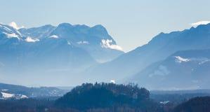 Der alpine Morgen Stockfotos
