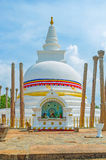 Der Altar bei Thuparamaya Stupa Lizenzfreies Stockfoto
