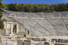 Der alte Amphitheatre von Epidaurus in Griechenland Lizenzfreie Stockfotos