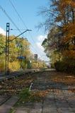 Der alte Bahnhof im Herbst. Stockfotografie