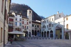 Der alte Bezirk von Serravalle, einer des alten Dorf zwei formi Stockfotos