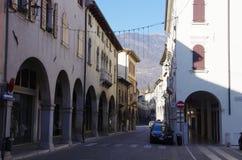 Der alte Bezirk von Serravalle, einer des alten Dorf zwei formi Stockbilder