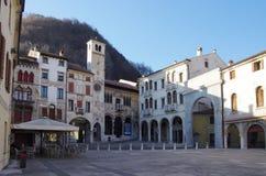 Der alte Bezirk von Serravalle, einer des alten Dorf zwei formi Stockfotografie