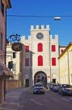 Der alte Bezirk von Serravalle, einer des alten Dorf zwei formi Stockbild