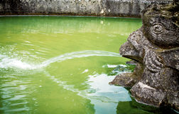 Der alte Brunnen Stockfotos