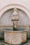 Der alte Brunnen Architektur von Kroatien und von Montenegro, Balkan Lizenzfreie Stockfotos