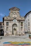 Der alte Brunnen von Piazza Del Mercato, Spoleto Italien Lizenzfreie Stockbilder