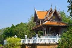 Der alte buddhistische Tempel im Park Santi Chuai Prakan Bangkok, Thailand Lizenzfreies Stockfoto
