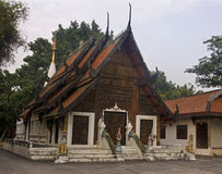 Der alte buddhistische Tempel in Lampang Stockfotos