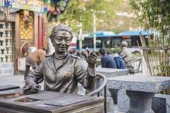 Der alte Doktor der traditionellen Statue der chinesischen Medizin Lizenzfreies Stockbild