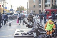 Der alte Doktor der traditionellen Statue der chinesischen Medizin Stockfotos
