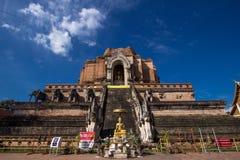 Der alte Eingang von Wat Chedi Luang, in Chiang Mai, Thailand Stockbilder