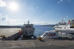 Der alte Hafen im Fischerdorf auf der Insel von Kreta, Griechenland Stockbild