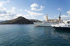 Der alte Hafen im Fischerdorf auf der Insel von Kreta, Griechenland Stockbilder