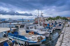 Der alte Hafen in Korfu Stockfotos