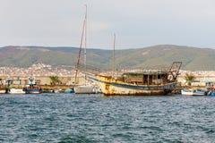 Der alte Jachthafen in der alten Stadt von Nessebar in Bulgarien Lizenzfreies Stockfoto