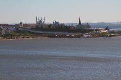 Der alte Kreml auf Flussküste Kasan, Tatarstan, Russland Stockfoto