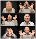 Der alte Mann mit Gefühlen auf einem dunklen Hintergrund Stockfoto
