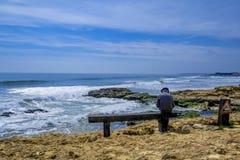 Der alte Mann und das Meer Lizenzfreies Stockfoto