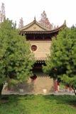Der alte Pavillon des berühmten jianfusi Tempels im Winter, luftgetrockneter Ziegelstein rgb Stockbilder