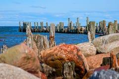 Der alte Pier Engure Lizenzfreie Stockfotografie