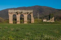 Der alte römische Aquädukt von Monitola in Lazio Stockfotografie